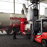 Reijnders loads coke with Dino quickly, safely and without dust